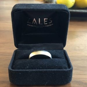 Men's gold band size 9 3/4